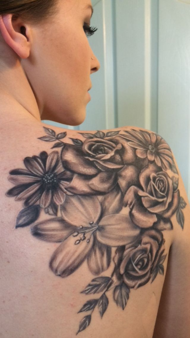 Black And Grey Daisy Flowers Roses Tattoo On Right Back Shoulder