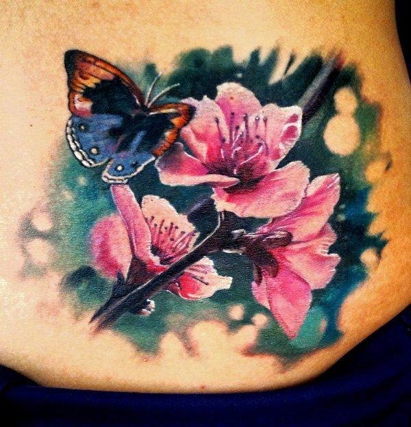Татуировка в виде цветов