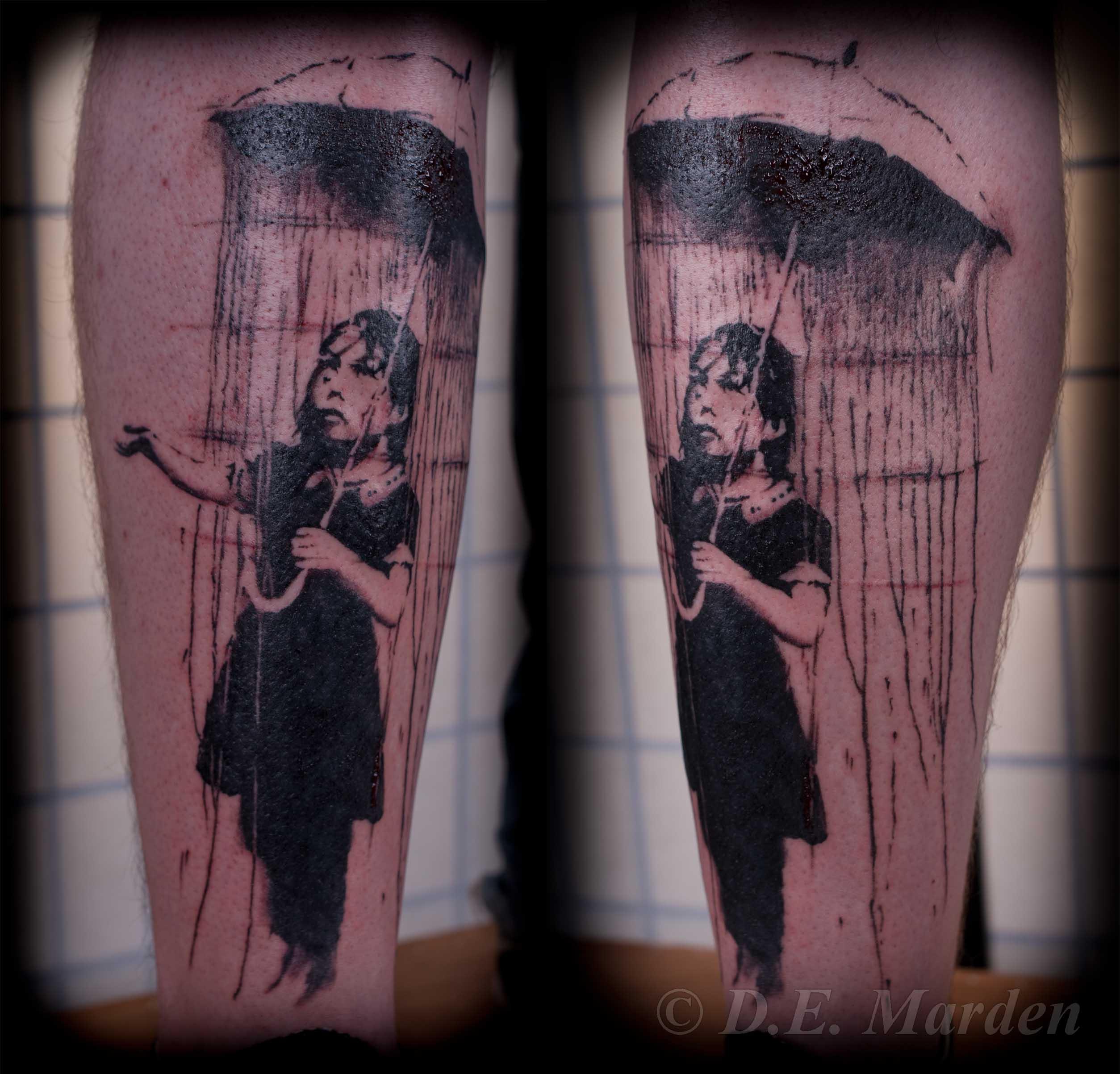 Тату девушка под зонтом фото