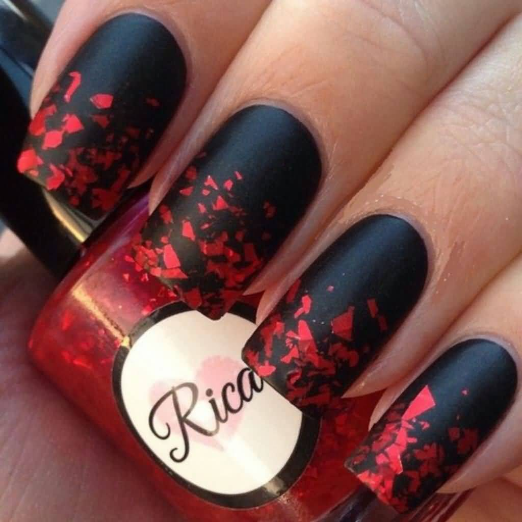 Маникюр под красно-черное платье