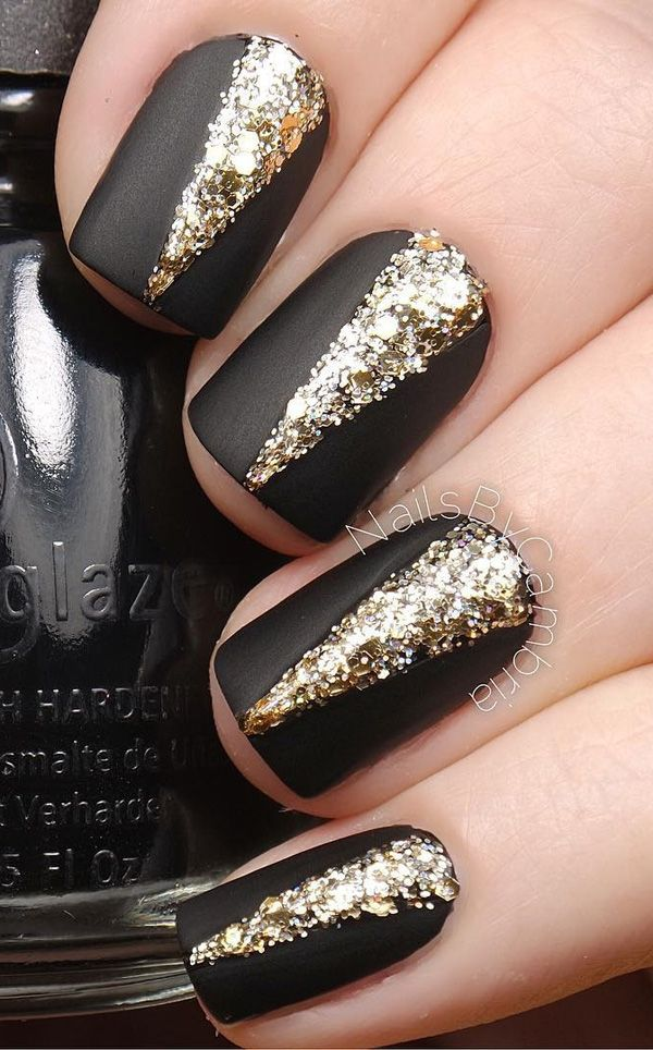 Шоколадные ногти с золотом