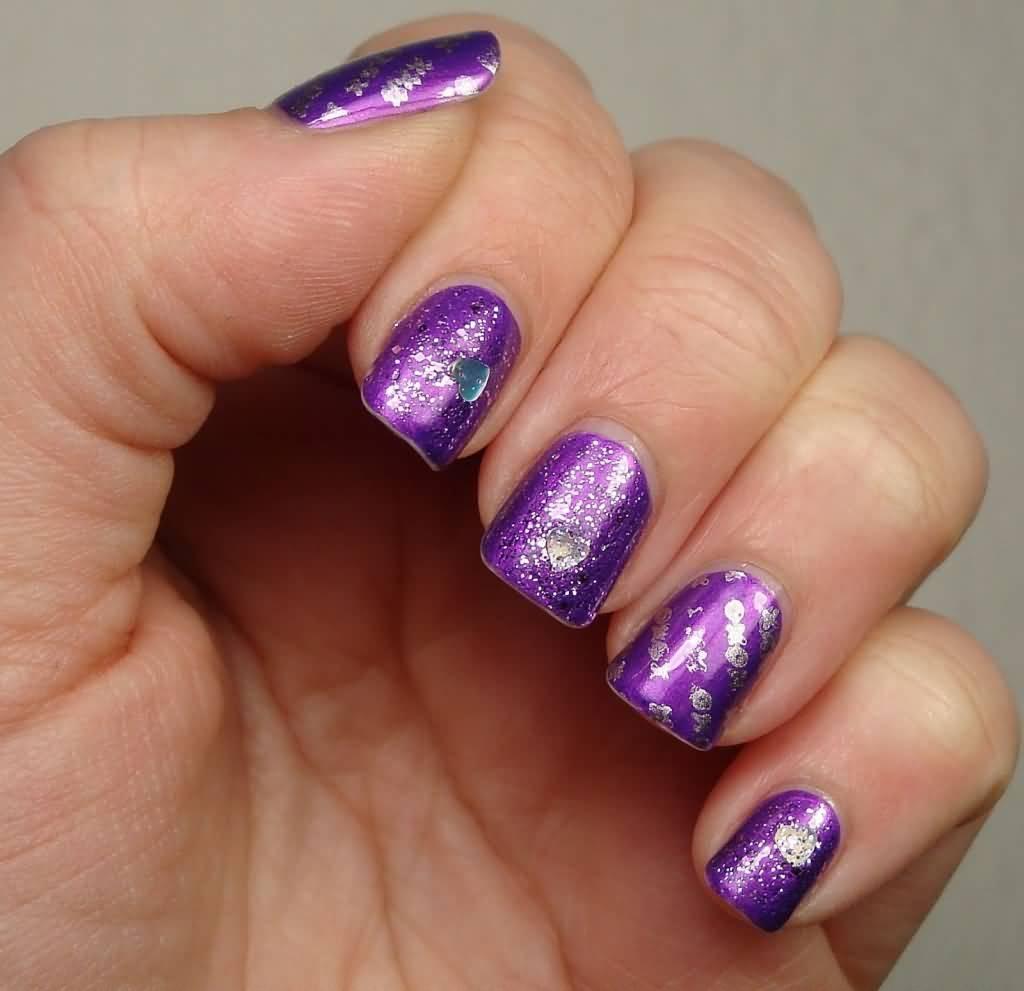 Маникюр для фиолетового платья