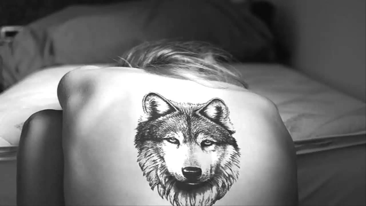76 meaningful wolf tattoo designs ideas for back. Black Bedroom Furniture Sets. Home Design Ideas