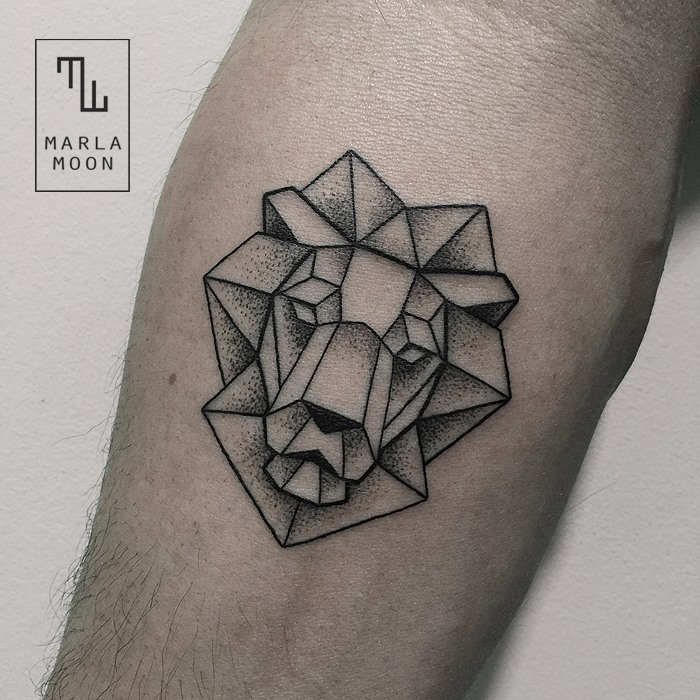 Geometrical lion tat