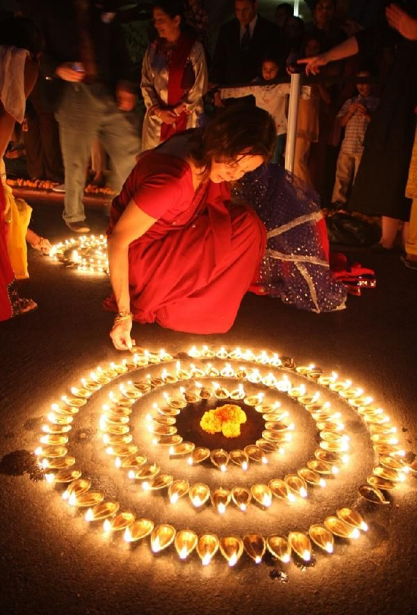 Beautiful Diyas Decoration On Diwali At Home
