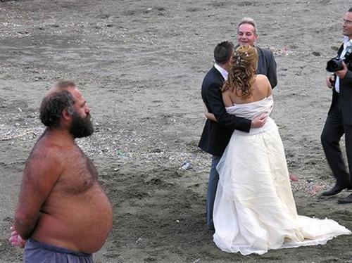 Beach Wedding Funny Image - funny beach wedding photos