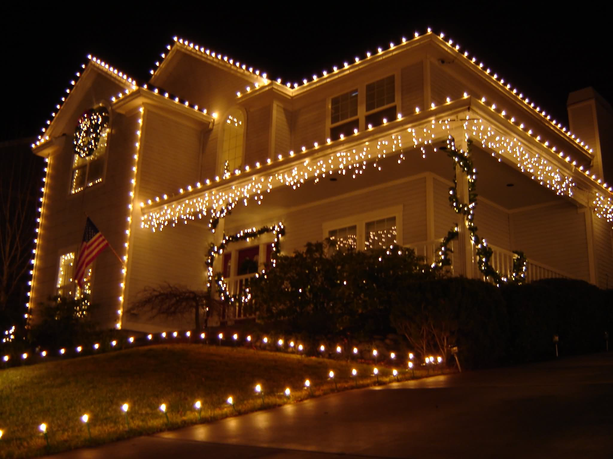 20 most wonderful lights decoration ideas for christmas - Christmas house lights ideas ...