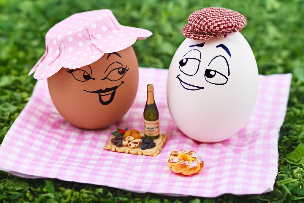 Funny Couple Egg Celebrate Party