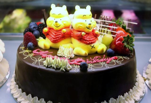 winnie pooh beautiful birthday cake