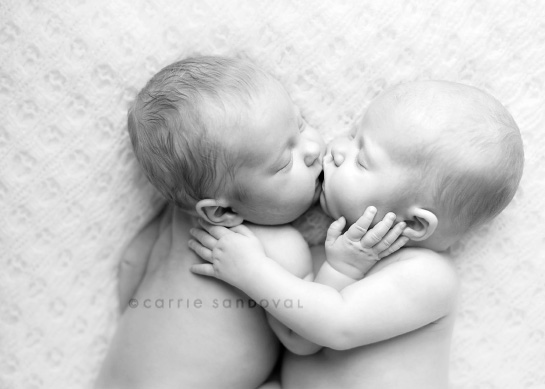 Animals Hd Wallpapers 2015 Funny Kissing Hugging Baby: 21 Cute Twin Baby Images