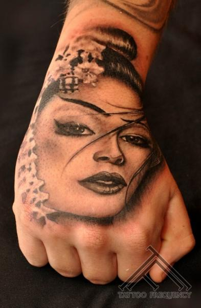 Geisha face tattoo