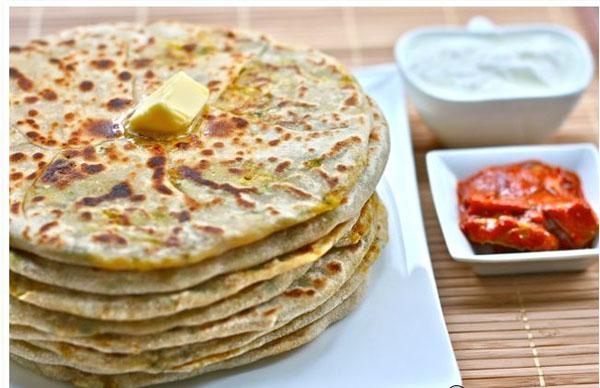 Yummy Aloo (Potato) Paratha Recipe