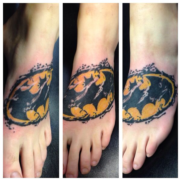 Batman tattoos for girls the image kid for Female batman tattoos