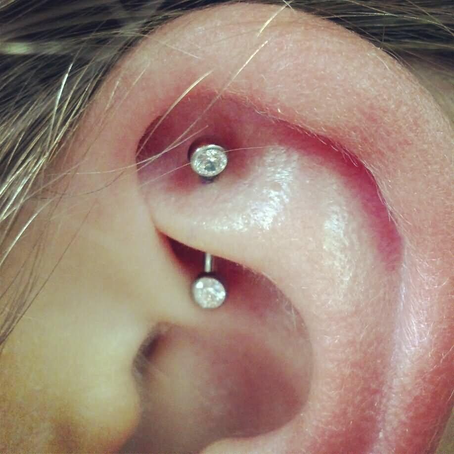 Crystal Barbell Rook Piercing Image