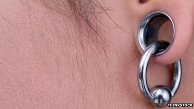 Ring In Kaars.13 Awesome Ear Stretching Pictures And Images For Men And Women