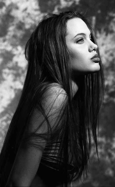 21 Young Angelina Jolie Images-6918
