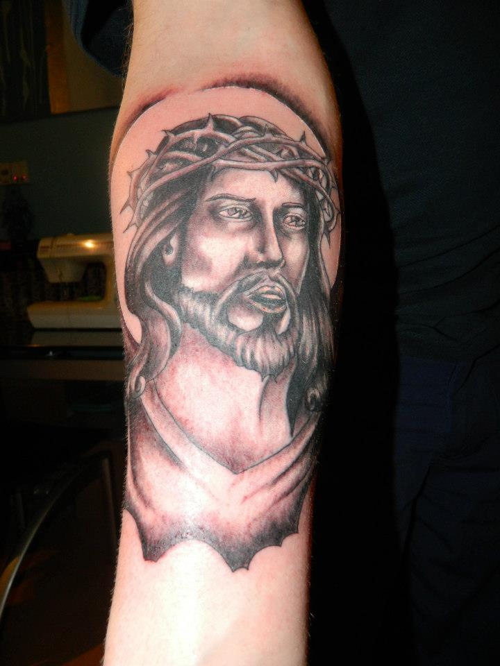 Black jesus face in cross tattoo stencil by hassified for Tattoos of black jesus