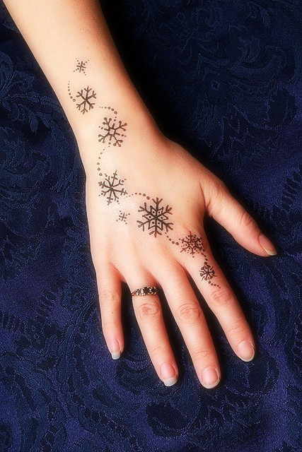 61d4c37a5 21 Snowflake Tattoo Images, Pictures And Ideas