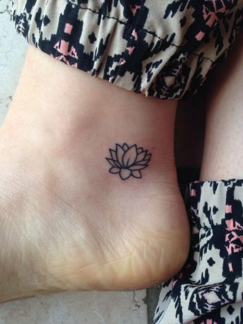 34 Best Lotus Flower Tattoos On Ankle