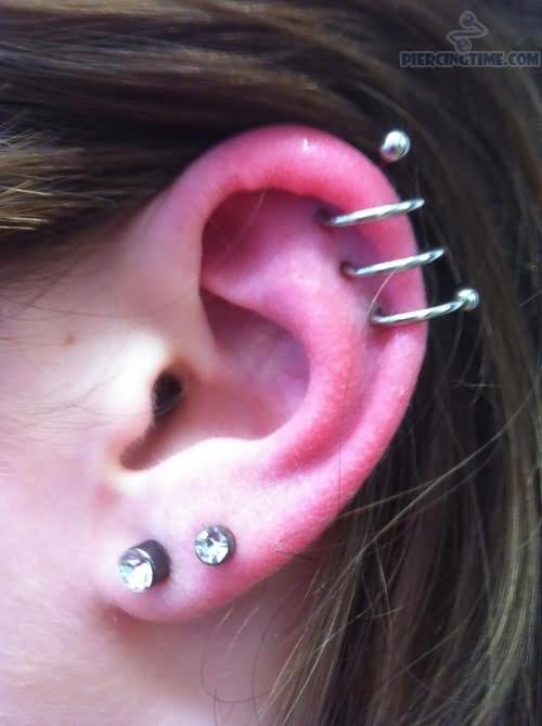 13 Latest Spiral Piercing Pictures And Ideas