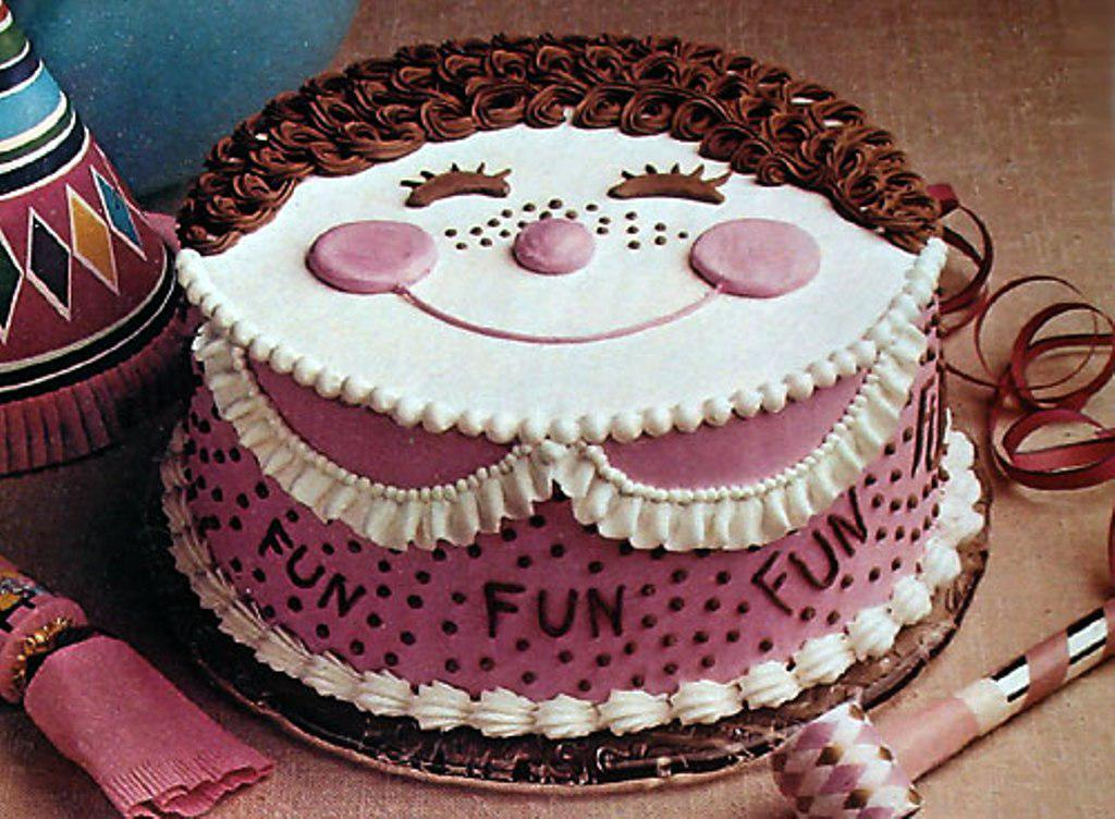Brilliant 31 Very Funny Cake Pictures And Images Funny Birthday Cards Online Hendilapandamsfinfo