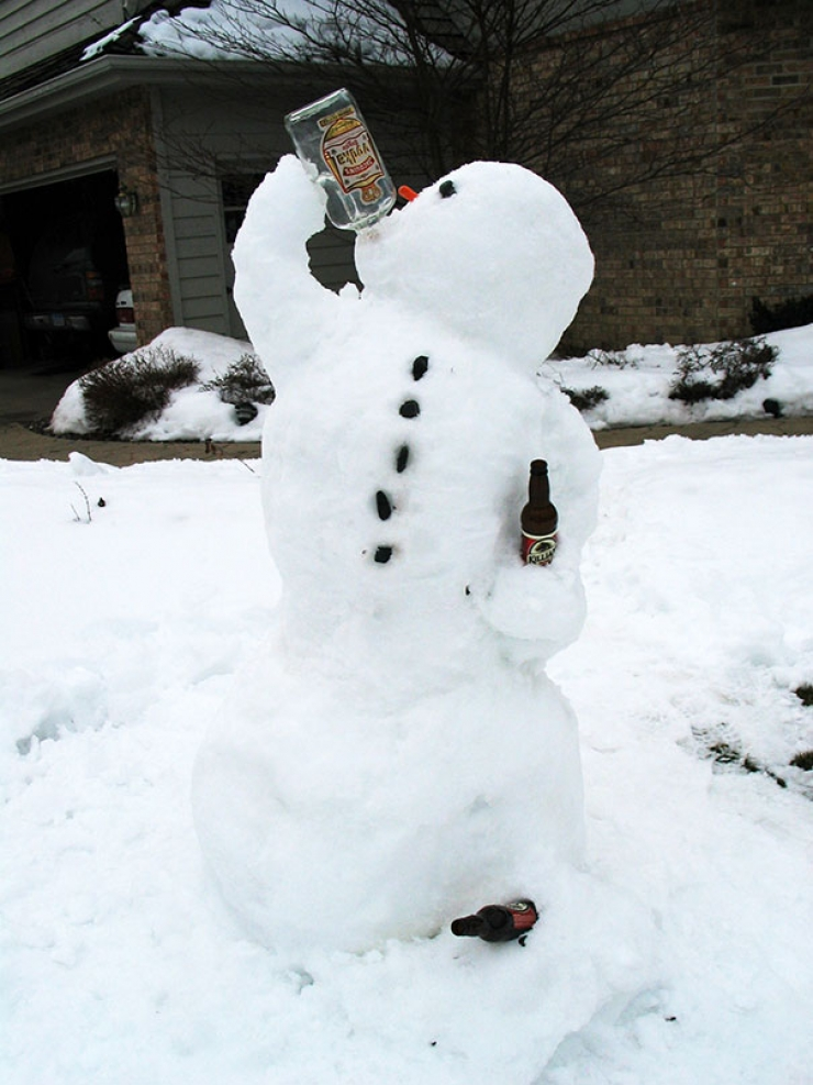 Drinking Snowman Funny Picture