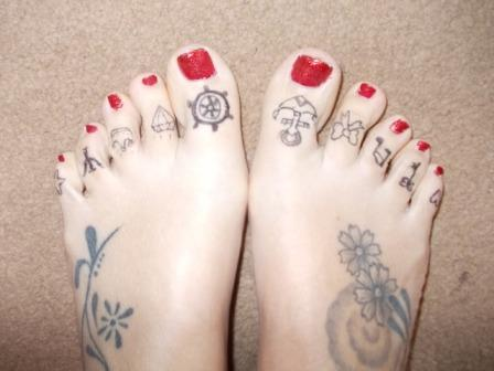 27 nice toe tattoo images pictures and ideas