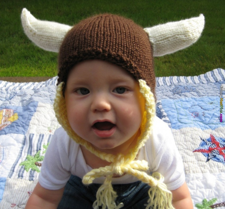 size 40 latest design cheap Baby With Cow Horn Hat Funny Picture