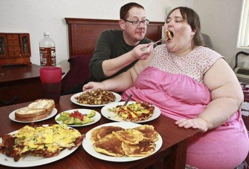 Seems Fat girls that are eating confirm