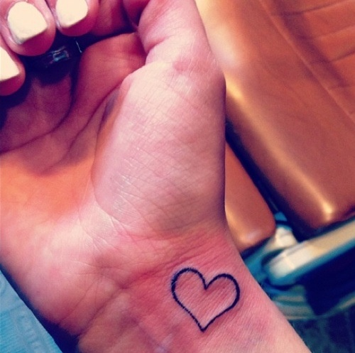 24d95247f724e 23 Simple Heart Tattoo Images, Pictures And Designs