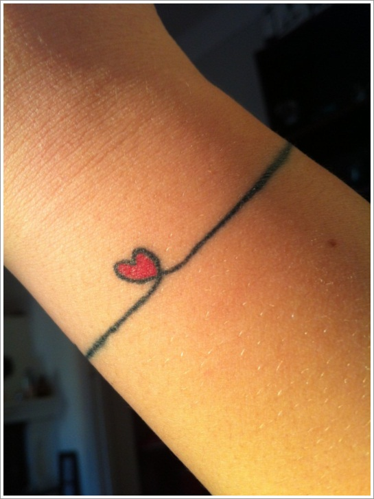 23 Simple Heart Tattoo Images, Pictures And Designs