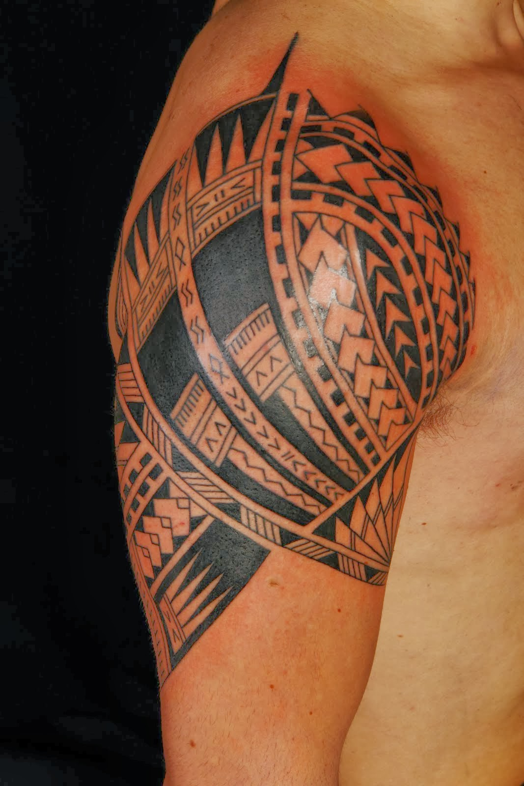 19 hawaiian tribal tattoo designs photos and ideas. Black Bedroom Furniture Sets. Home Design Ideas