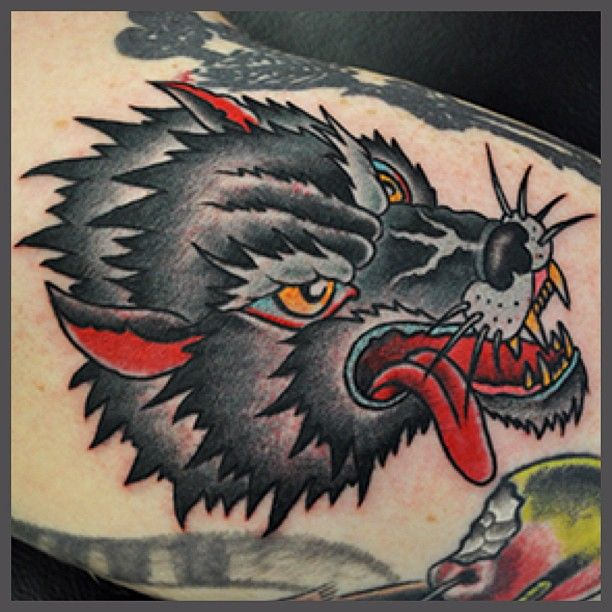 20+ Traditional Wolf Tattoo Ideas, Designs And Images