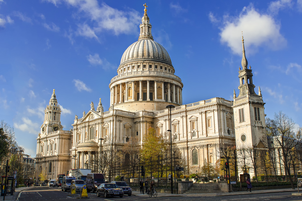 48 Places to Visit in London, England