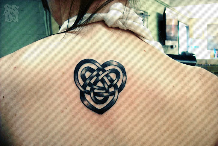 3799c8f6c Black Celtic Love Knot Heart Tattoo On Upper Back