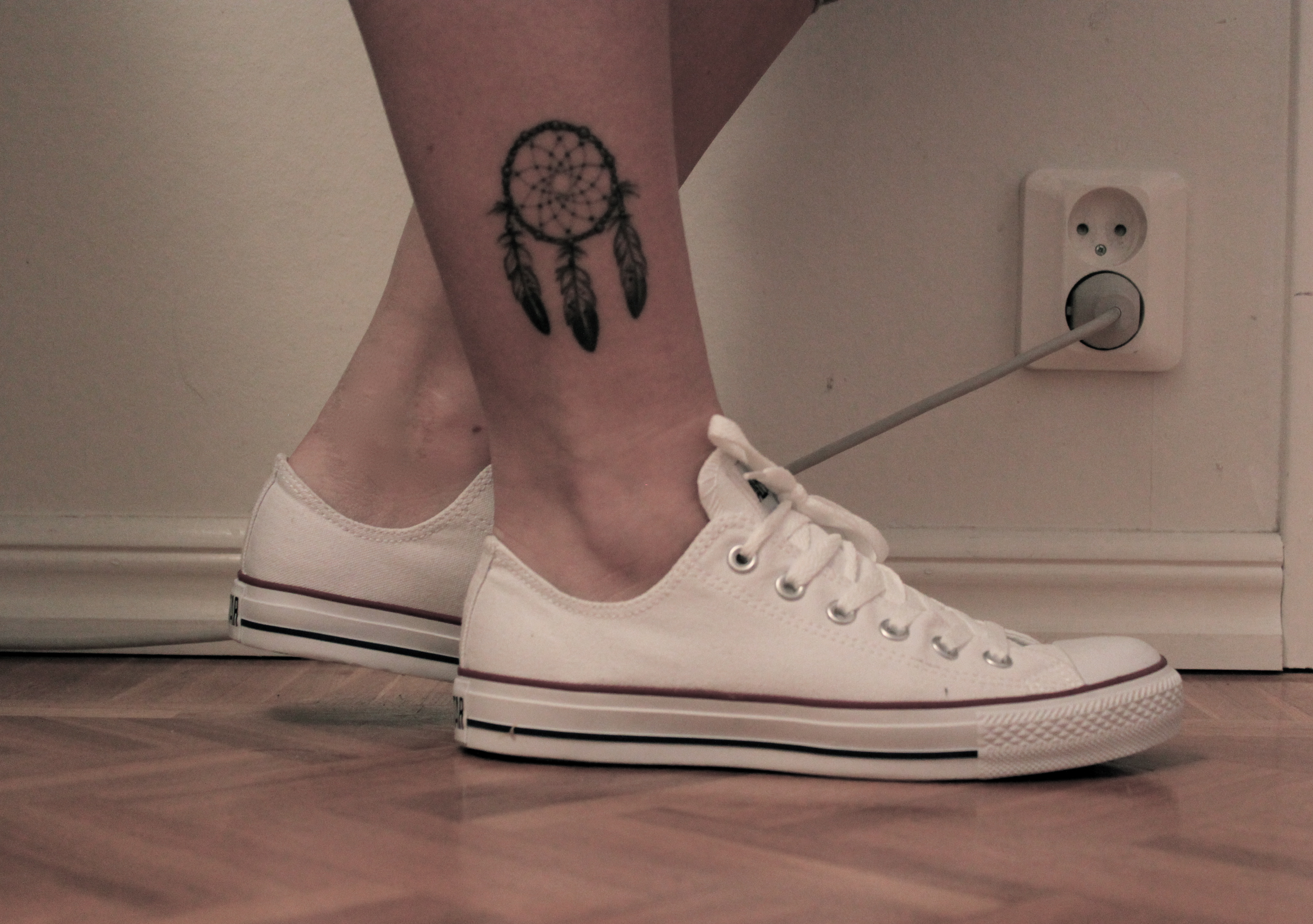 24 Dreamcatcher Tattoos On Foot