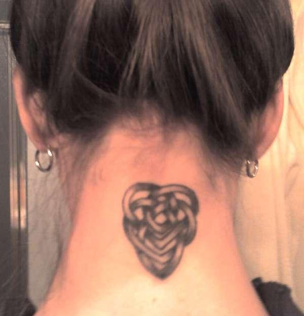 30 Lovely Nape Tattoos For Girls: 30+ Celtic Love Tattoos