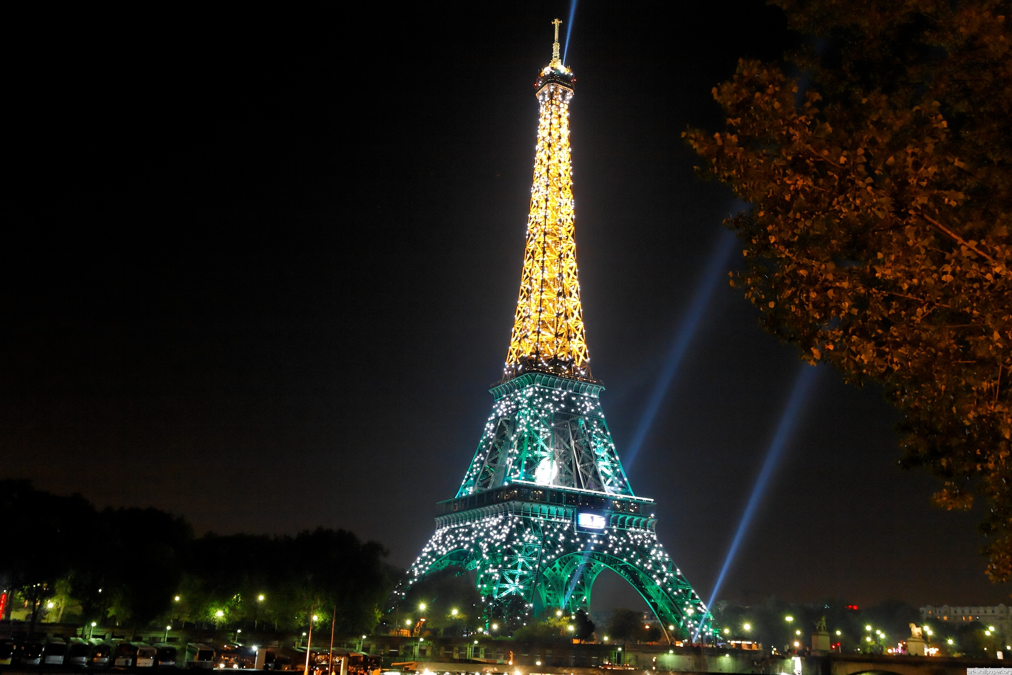 30 Eiffel Tower At Night Images