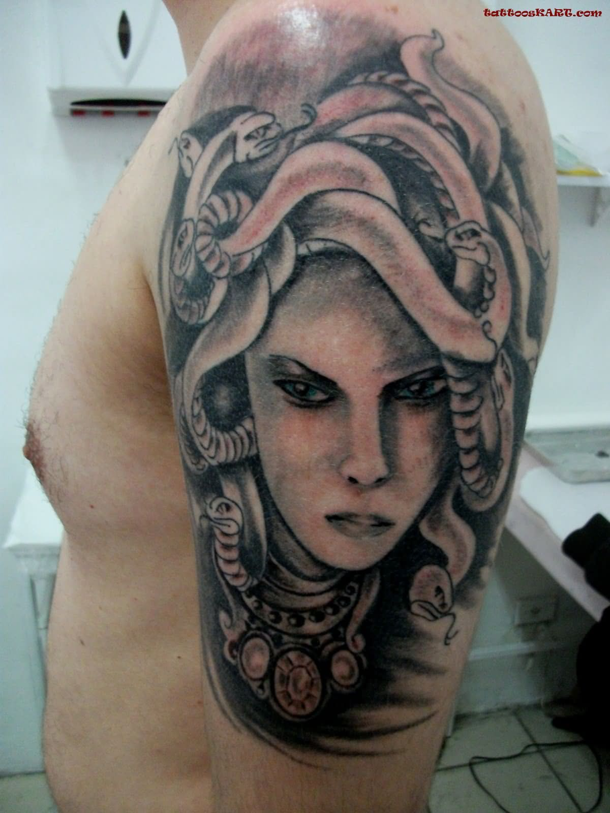 Black Medusa Tattoo: 47+ Awesome Medusa Face Tattoos