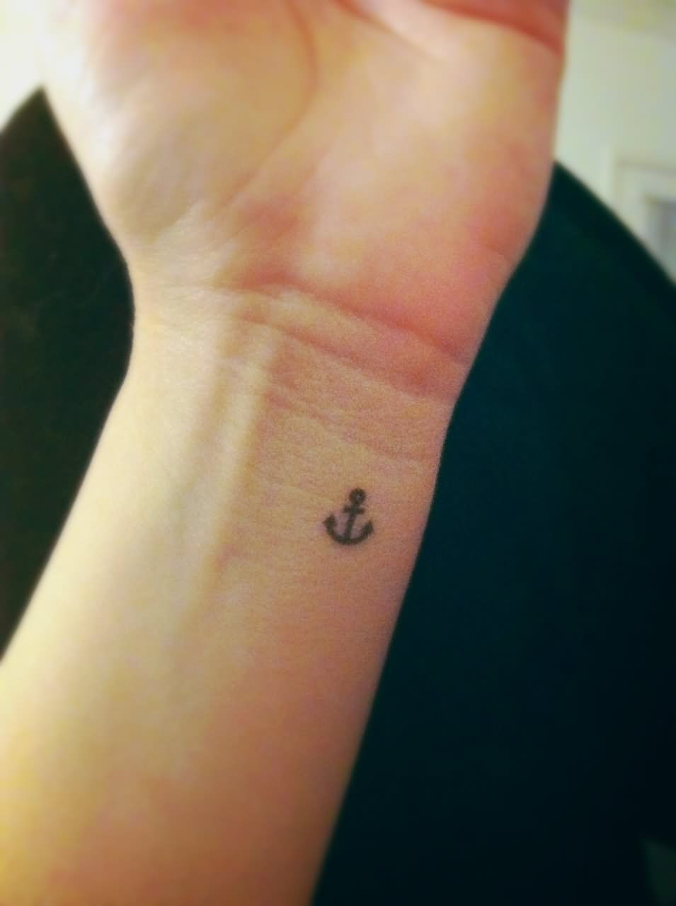 Small Simple Tattoo Design: 34+ Simple Anchor Tattoos
