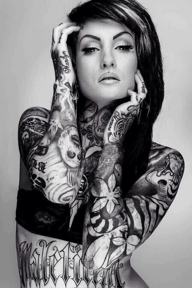 50 mind blowing black and white tattoos for Tattoo sleeve ideas girl