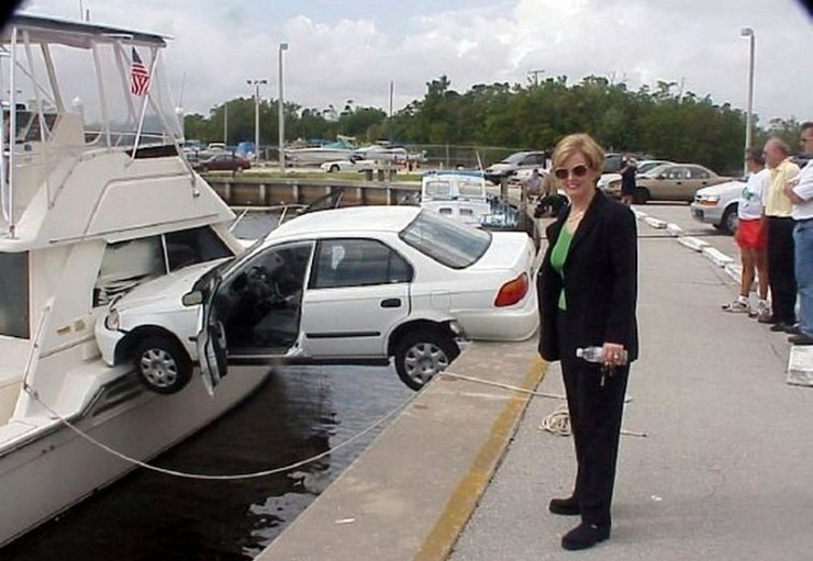 https://www.askideas.com/media/24/Blonde-Girl-Funny-Fail-Car-Parking.jpg