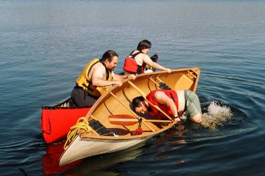 Sleeping-Man-Funny-Fail-Canoeing.jpg