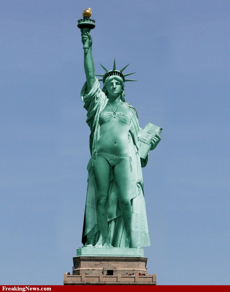 Zipolite day Statue-Of-Liberty-In-Bikini-Funny-Picture