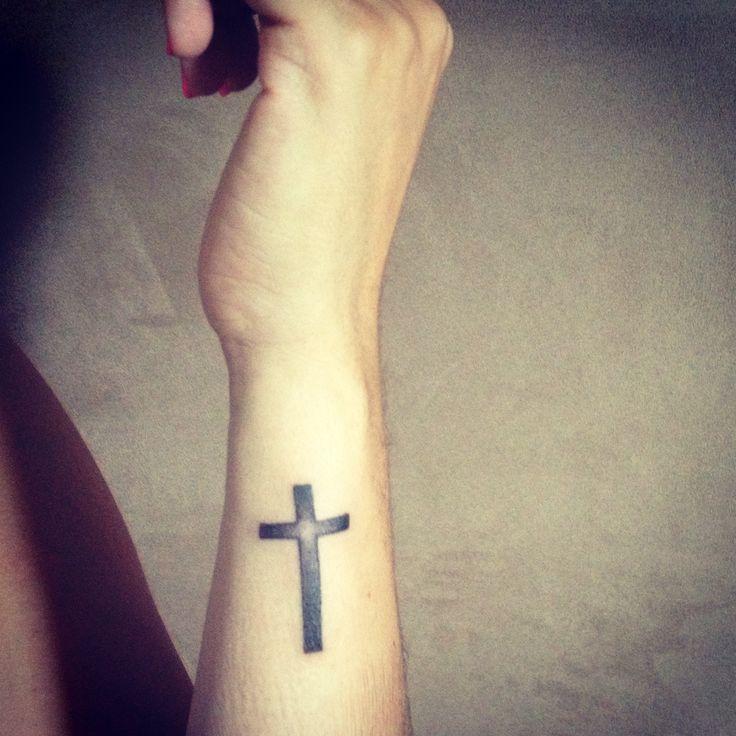 Картинки крест на руку наколка пергола