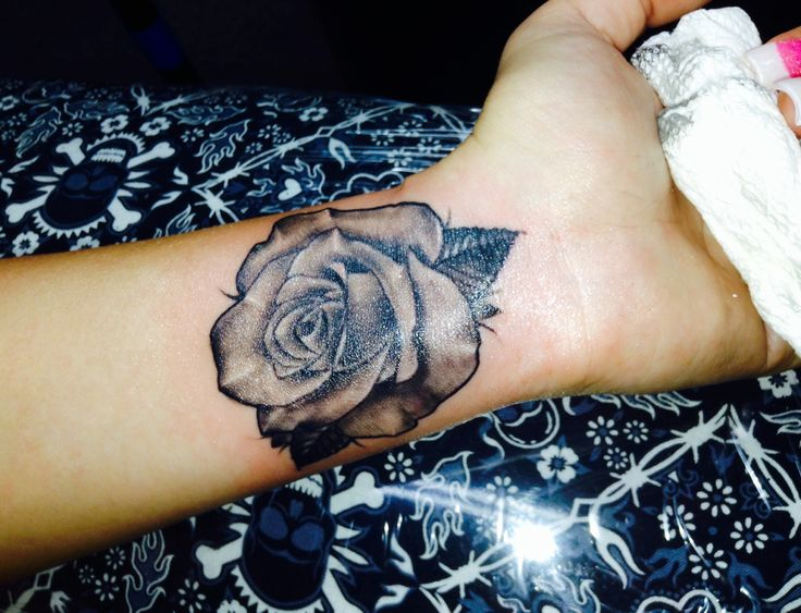 Rose Tattoos Flower: 45+ Flowers Wrist Tattoos