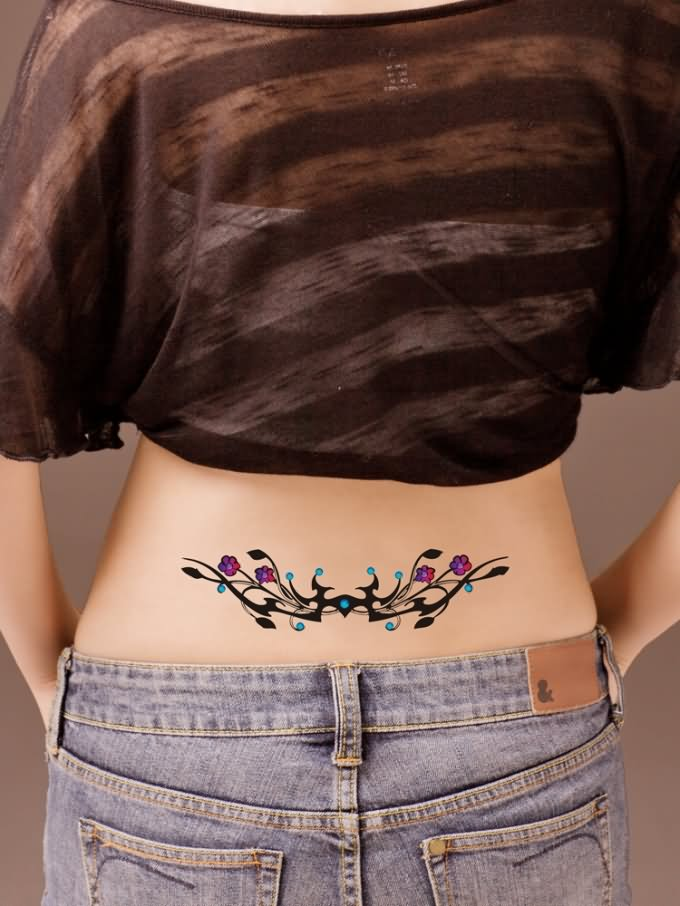 40 Awesome Waist Tattoos For Girls