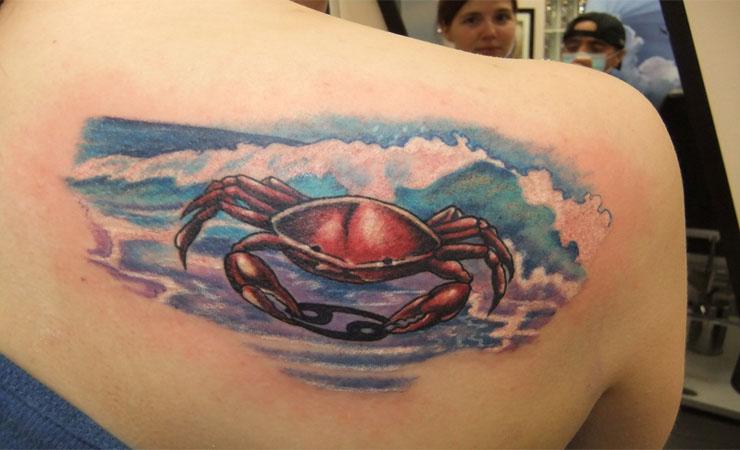 Right back shoulder cancer tattoo for girls for Back shoulder tattoos for women