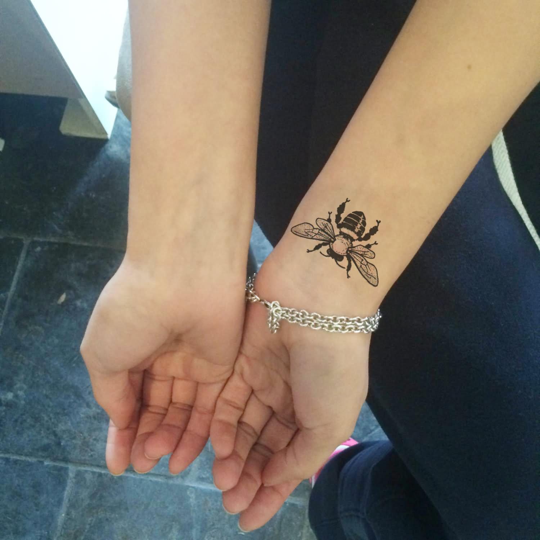 22+ Bee Tattoos On Wrist