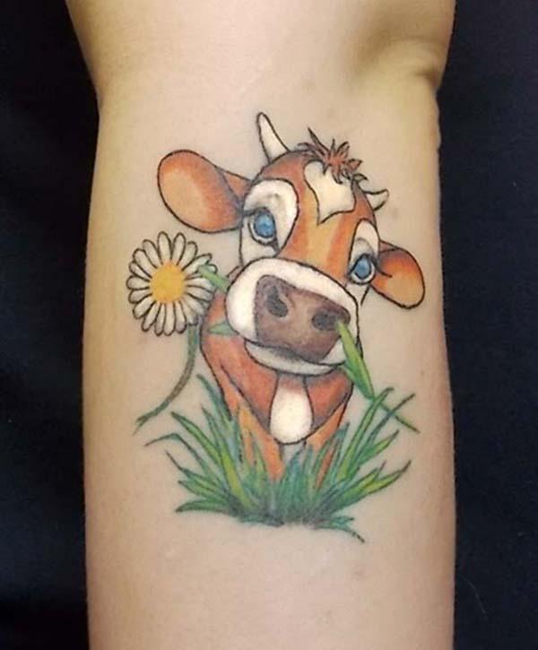 4494e800c81e6 Cute Cow Tattoo Design For Wrist